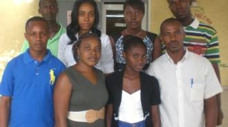 Photo Huit des onze membres du Comité ad hoc de la CNJT