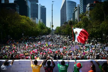 IMG 2 Manifestants Mexicains 12 F 2017